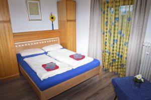Ferienwohnung 2 - Schlafzimmer - Gästehaus Friedlich in Schönau am Königssee