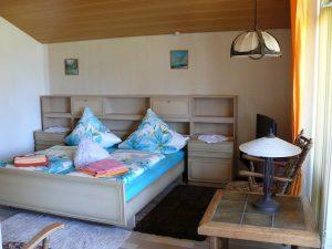 Gästehaus Friedlich Zimmer 12 Pferdewiese - Schlafzimmer